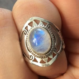 Beautiful sterling silver iridescent ring